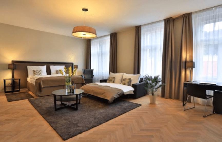 James Hotel & Apartments